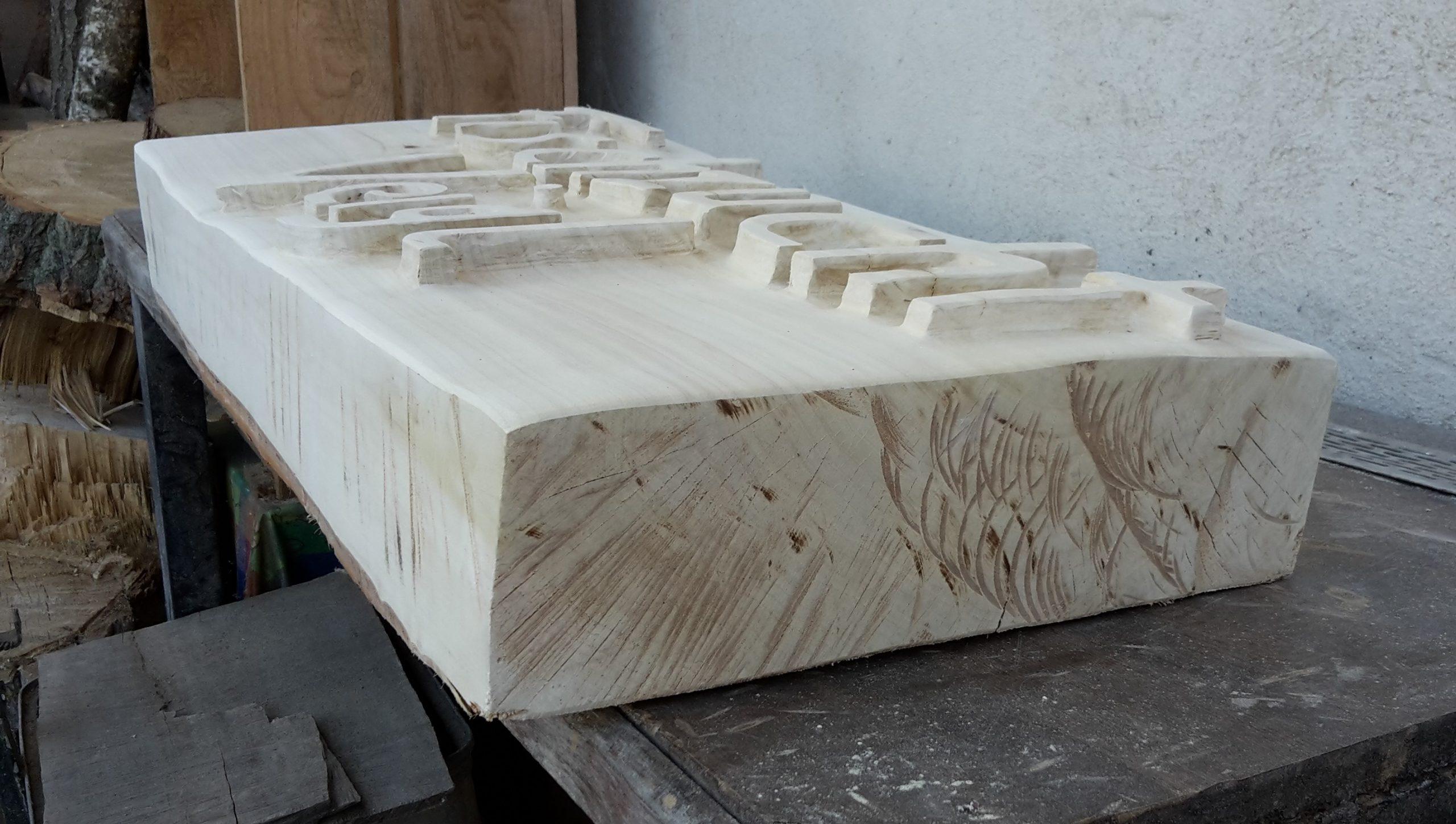 Holztafel Seitenansicht